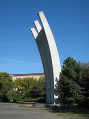 Luftbrückendenkmal: 'Hungerkralle'