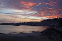 Atardecer (IMonSan) Tags: red sky sol beach atardecer playa puesta ria cangas pocaluz cielorojo