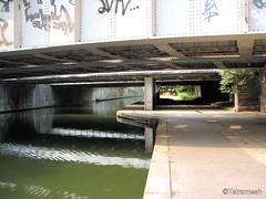 Regents Canal, NW8 (Tetramesh) Tags: uk greatbritain england london underground walking canal unitedkingdom britain walk tube railway regentscanal londres londra grandunioncanal londen marylebone lontoo londonwalks citywalks londyn britishwaterways londn  londona londoncanal inlandwaterways londonas tetramesh walklondon  urbanwalks londonwaterway geo:lat=5152849 geo:lon=0167337 waterwaysinlondon londonswaterways londr