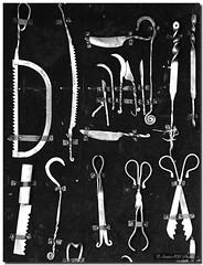 Surgical tools / Utensilios quirúrgicos