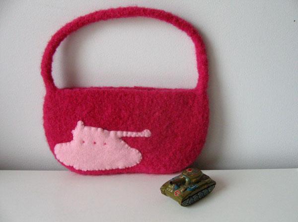 underbug in pink