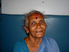 Lady on the train (Roberta Tura) Tags: trip india train eyes oldlady