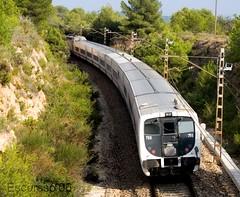 renfe0039 (Escursso) Tags: canon trenes estacion trainspotting trens renfe adif escursso