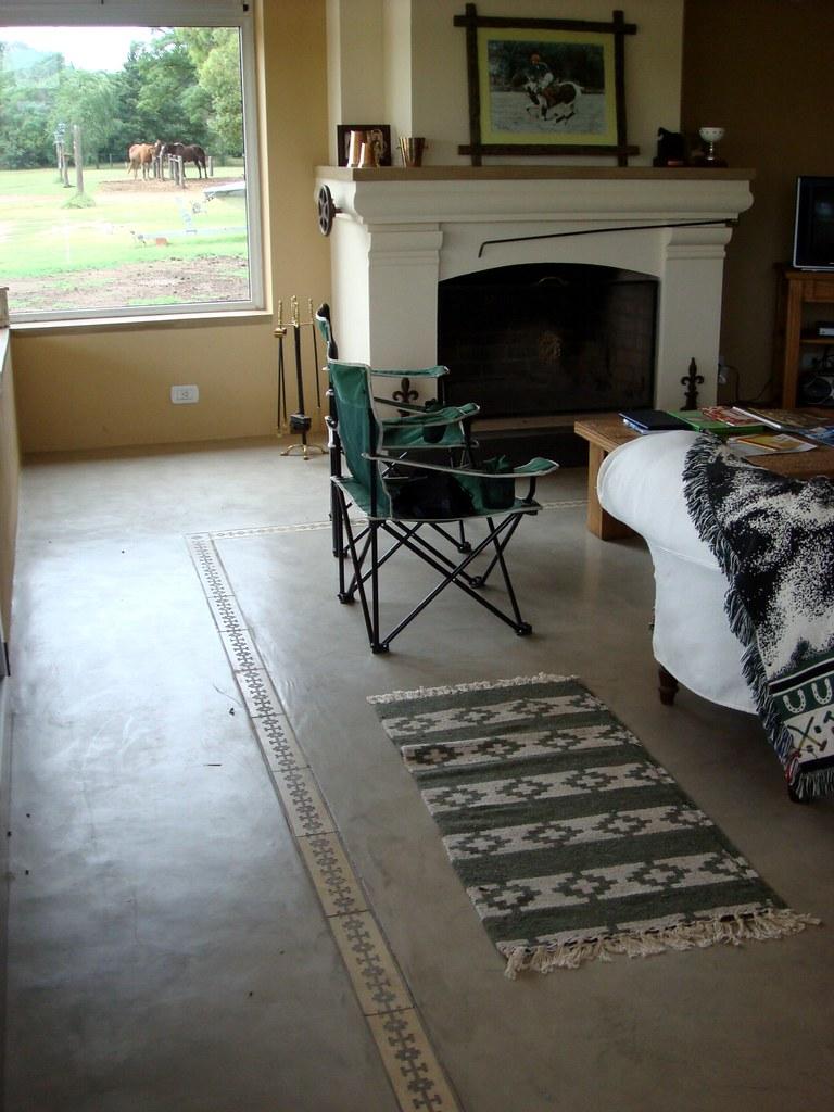 2391506771 89996d21e4 b Microcemento alisado para pisos y revestimientos