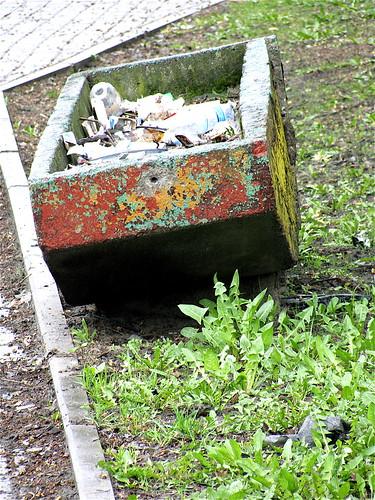 rubbish pot