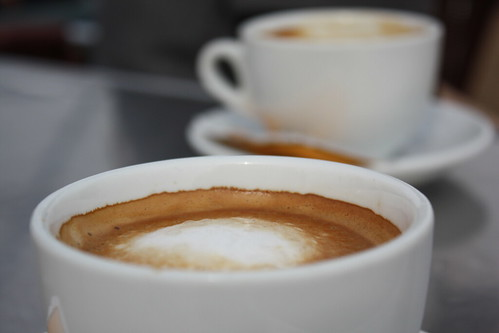 Café con leche - Milchkaffee [Photo by marfis75] (CC BY-SA 3.0)