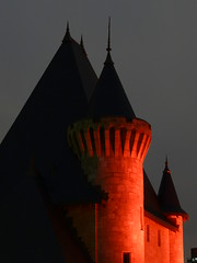 Rservoir McTavish (urb_mtl) Tags: park street light red canada castle night del catchycolors rouge lumix photo downtown montral quebec lumire montreal led panasonic qubec avenue soir mctavish rue nuit chteau parc originale centreville rutherford doctorpenfield sooc docteurpenfield miseenlumire fz18