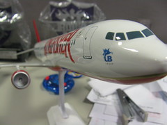 Sumeet's Desk (joe.arnold) Tags: kingfisher 1200 airlines scalemodel a319 aricraft