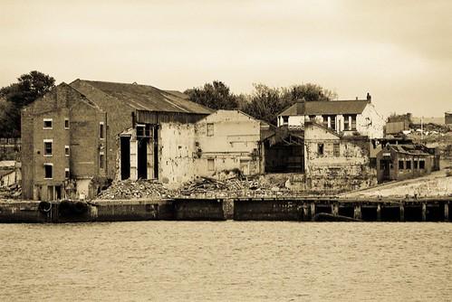 port of tyne across the river