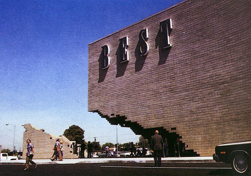 SITE, Centro commerciale BEST a Sacramento (California, 1977)