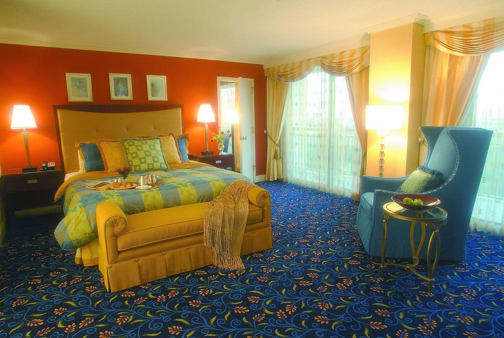 International Suite Bedroom at The Orlando World Center Resort