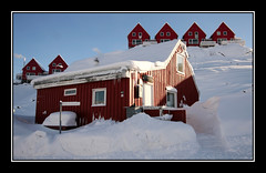 Red Houses (Kiddi Einars) Tags: houses red house snow cold greenland grnland icecold sisimiut grnland