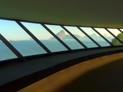 Museu de Arte Contempornea MAC - Niteri - R. J. (Carlos Domingues) Tags: mac hdr niteri 3x photomatix
