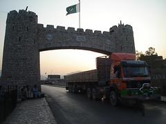 Towards Peshawar. (Masd) Tags: pakistan afghanistan mountains evening highway asia july peshawar pakistani trade nwfp 2007 afghans pashtun masd khyberagency landikotal tribalareas jamrod