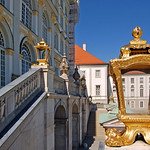 München - Schloss Nymphenburg (10) - Hauptgebäude thumbnail