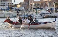 Le soir : entrainement... (Larch) Tags: france port bateaux midi southoffrance barque languedocroussillon rameur etangdethau mze