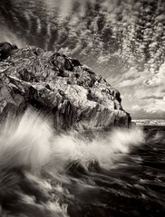 Breaking Wave at Nset (McSnowHammer) Tags: sea water clouds silver gteborg ir rocks wave infrared pro nik splash nset efex