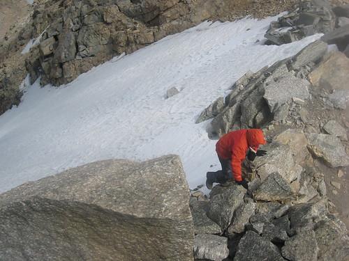 Marco si  arrampica