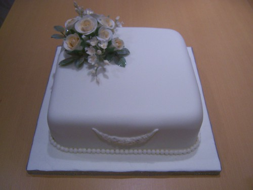 1 tier Wedding Cake This couple wanted a simple design with roses and