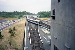 Metro Crossover (Andy961) Tags: vienna subway virginia metro va metrorail wmata washingtonmetro