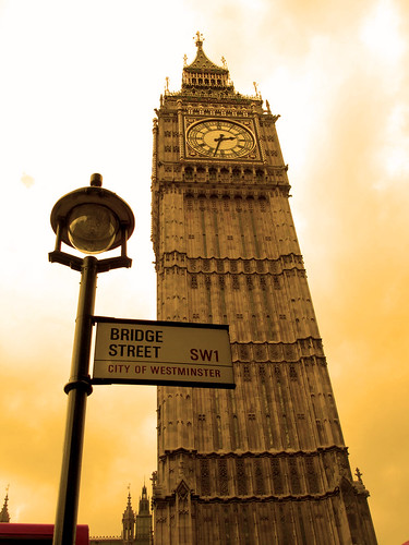 London Big Ben; Bridge Street [Photo by hashmil] (CC BY-SA 3.0)