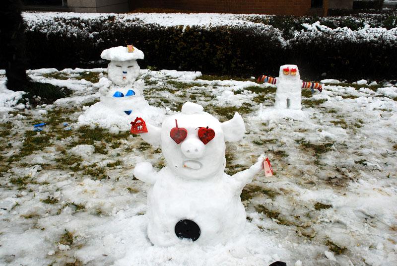 这几个雪人酷!