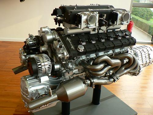 V12 Lambo