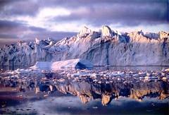 Groenlandia (chiara51x) Tags: reflection ice greenland iceberg riflessi icebergs artico ghiaccio ngi groenlandia artict illulissat