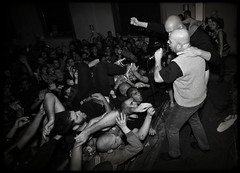 NABAT (Adriano.) Tags: bw punk crowd wide pit crop 5d ao oi skinhead stagediving cardiganfrescolana persichettioreste