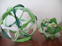 Green (cridiana) Tags: origami arabesque kusudama