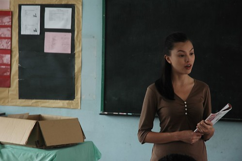 Miss Carol (Carmen Soo) teaching