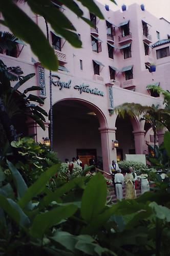 Paddock Café :: 地元の人々のかわいいホテルでの伝統行事?