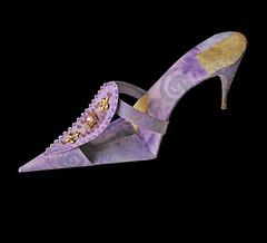 Lavender Shoe (Carlos N. Molina - Paper Art) Tags: sculpture paper shoe highheel artistic expression stamp papertowels misfotosfavoritas wwwcarlosnmolinacom carlosnmolina papergenius acrylicmetallicpaint