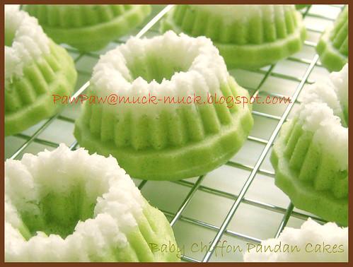 Baby Chiffon Pandan Cakes