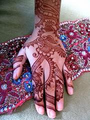 henna with zardosi belt (HennaLounge) Tags: india persian gulf henna mehendi mehndi heena khalijee