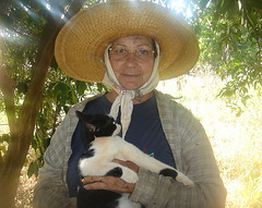 Peasant (marlenells) Tags: portrait woman topc25 cat poser searchthebest country peasant maringá