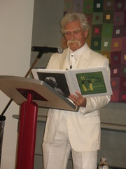 Alan Kitty as Mark Twain