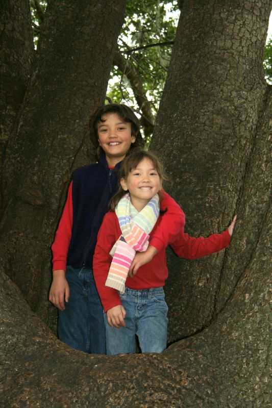 Toran & Aurelia in a tree