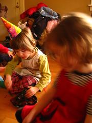 IMG_6722.JPG (Jason Lander) Tags: birthday friends party jason cake kids oregon portland toys ben presents candels magician caryn