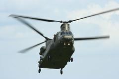 Chinook (Merlin_1) Tags: airshow duxford boeing chinook falklands cambridgeshire raf imperialwarmuseum iwm ch47 cambs royalairforce canonef100400f4556lisusm aviationgreen