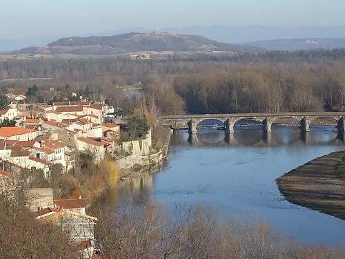 au second plan à gauche, anciens quais de Pont-du-Château