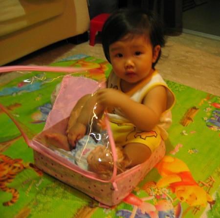 Talai & meimei successfully in a box