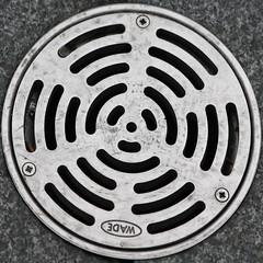 drain (Leo Reynolds) Tags: canon eos iso100 grill drain squaredcircle f67 140mm sqlondon 0ev 0004sec 40d hpexif sqrandom xsquarex sqset028 xleol30x xratio1x1x xxx2008xxx