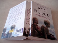 13 May 08 Nineteen Minutes by Jodi Picoult (black_coffee_blue_jeans) Tags: fiction reading book reader review books bookshelf hobby read shelf cover novel covers bookcover hobbies bookshelves shelves bookcovers reviews novels bookreview bookreviews jodipicoult nineteenminutes