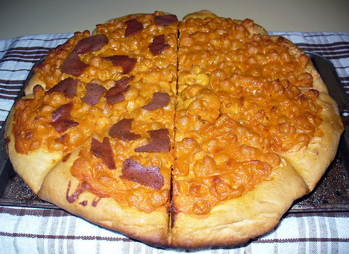 2011-05-09 - Mac and Cheese Pizza - 0007