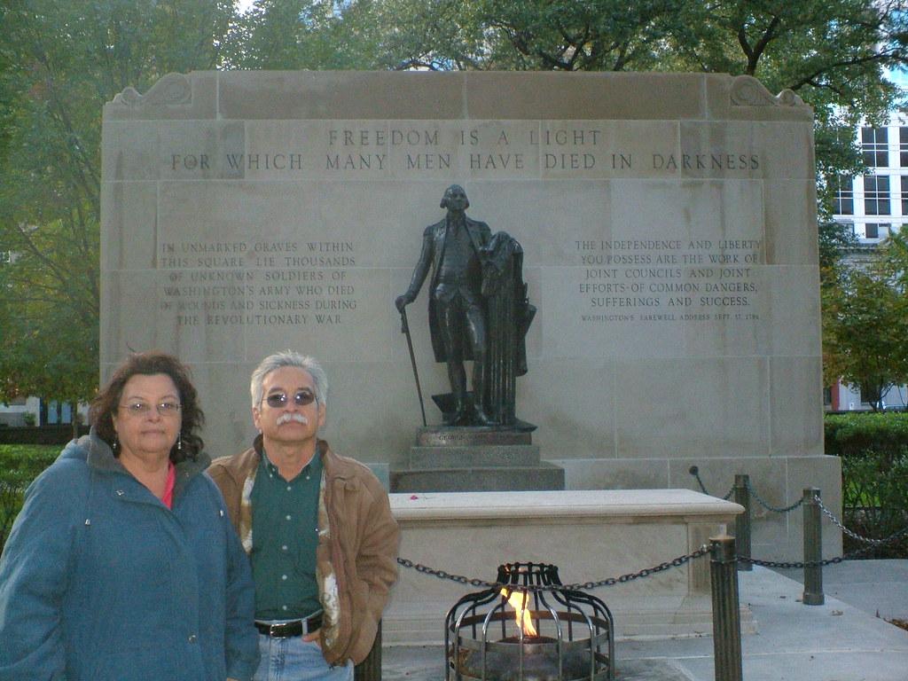 la tumba del soldado desconocido a quien nadie conoció (click para ver más grande)