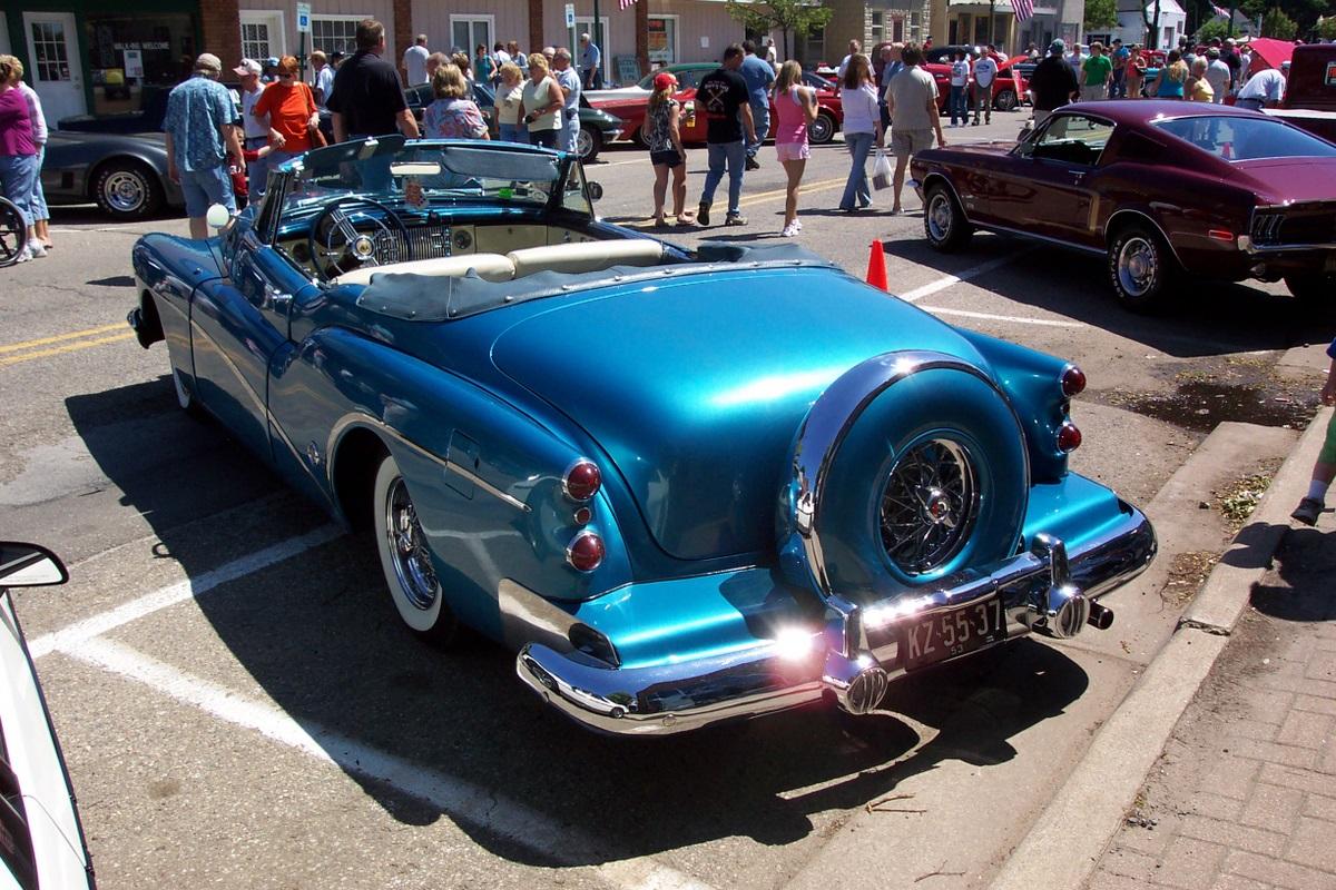 1953 Buick Skylark. go back