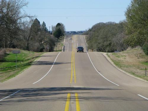 Rolling hills on TX105 between Navasota and Brenham, Texas, USA