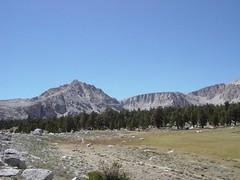 Looking back - Old and New Army Passes (ekuecherer) Tags: sierras easternsierras johnmuirwilderness cottonwoodlakes