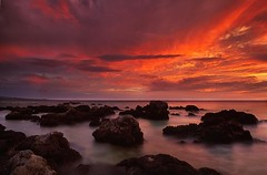 Lava Rocks (DeLionKing) Tags: sunset red sea film water atardecer hawaii lava mar agua rocks bigisland soe kona rocas piedras lavarocks betterthangood thebestofgodscreation rocasdelava